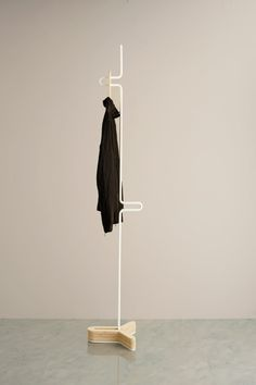 Store extra hangers at the base when not in use