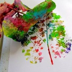 This is beautiful! The things you can do with a leaf and paint!