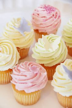 Will find the perfect cup cake one day! Pastel Cupcakes, Yummy Cupcakes, Cheesecake Cupcakes, Types Of Pastry, Small Cake, Love Cake, Pretty Cakes, How To Make Cake, Eat Cake