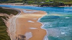 Picture of the day for March 17 2017 at by Bing; Five Fingers Strand near Malin Head Ireland ( Cahir Davitt/age fotostock) Costa, Ireland Vacation, Ireland Travel, Landscaping Around Deck, Ireland Landscape, Image Of The Day, Desktop Pictures, Landscape Wallpaper, Donegal
