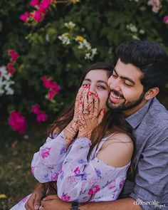 New makeup ideas for pictures photo shoots make up 63 Ideas Young Couples Photography, Indian Wedding Couple Photography, Wedding Photography Poses, Candid Photography, Pre Wedding Poses, Pre Wedding Shoot Ideas, Pre Wedding Photoshoot, Wedding Blog, Young Wedding