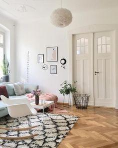Ein Wohnzimmertraum In Pastelltönen Mit Eames Rocking Chair Und Tollem  Berber Teppich! Entdecke Noch