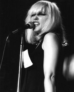 Debbie Harry - Blondie. S)