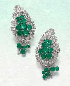 Pair of emerald and diamond brooches, Suzanne Belperron, Circular-cut emeralds and single-cut diamonds create these brooches' elegant leaf design. Silver Jewelry, Fine Jewelry, Colombian Emeralds, Holiday Jewelry, Diamond Brooch, My Secret Garden, Latest Jewellery, Pendant Set, Leaf Design