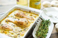 Курица в горчичном соусе с грибами | Нежные куриные голени с хрустящей золотой корочкой, горчично-сливочный соус и грибы, пара веточек тимьяна, молотый перец и белое вино. Ах!!!
