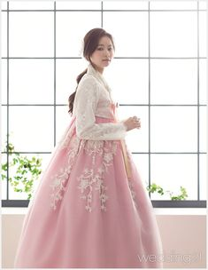 from the side Korean Traditional Dress, Traditional Fashion, Traditional Dresses, Korean Fashion Trends, Asian Fashion, Hanbok Wedding, Korea Dress, Dress Outfits, Fashion Dresses