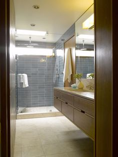 Picture Of trendy mid century modern bathrooms to get inspired 15