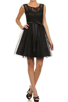 Cocktail dress w/ bow accent.