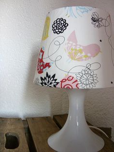 lampenschirme selber machen wie bezieht man einen alten lampenschirm alte lampenschirme. Black Bedroom Furniture Sets. Home Design Ideas