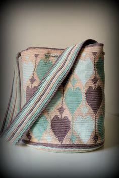 Ho finito la mia nuova borsa per l'estate. Il cotone l'ho comprato l'anno scorso per un...