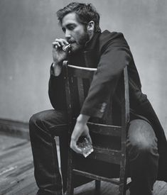 Jake Gyllenhaal Details September 2012 - Photo