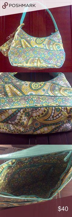 Like new Vera Bradley Lemon Parfait Shoulder Bag Like new Vera Bradley Shoulder bag with matching phone holder. Lemon parfait print. 2 outside pockets, 2 interior pokers and 1 interior zipper pocket. 15x10x4 Vera Bradley Bags Shoulder Bags