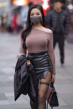 Girly Outfits, Sexy Outfits, Fit Women, Sexy Women, Asian Cute, Hot Dress, Beautiful Asian Women, Asian Woman, Leather Skirts