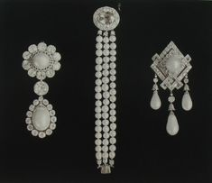 Russian imperial jewels sold by the soviets, such a shame on so many levels~