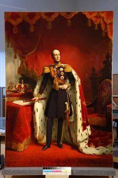 Из чего делались королевские мантии?