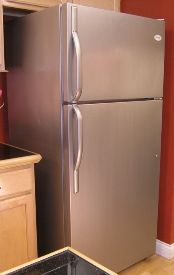 If I can't afford a new, stainless steel refrigerator (or dishwasher, or microwave, etc.) there's stainless steel paint to spruce up your old fridge!