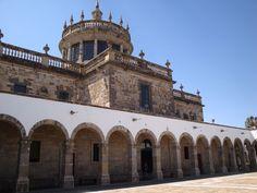 Instituto Cultural Cabañas, en la actualidad es considerado patrimonio cultural del estado de Jalisco, atrae a miles de visitantes cada año y cuenta con 23 patios, 106 cuartos, 72 pasillos, dos capillas y una sala de cine en donde se exhiben películas de arte.