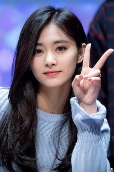It's Tzusday my dudes (Tzuyu) – K-Pop Babe Pics Kpop Girl Groups, Korean Girl Groups, Kpop Girls, Cute Korean Girl, Asian Girl, Nayeon, Korean Beauty, Asian Beauty, Chou Tzu Yu