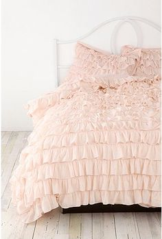 urban outfiters bedding. usually not one for ruffles but I like this!