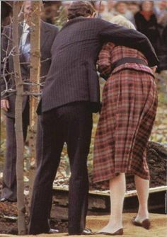 Charles & Diana planting tree in 1983 at Rideau Hall in Ottawa. REUTERS