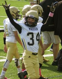 Willi Wilson scored a touchdown with a little help from the Madison and Southington eighth grade football teams. Click to see the video.