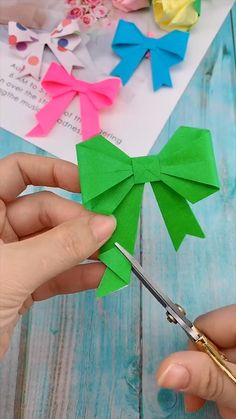 Cool Paper Crafts, Paper Flowers Craft, Flower Crafts, Wood Crafts, Diy Crafts Hacks, Diy Crafts For Gifts, Creative Crafts, Instruções Origami, Paper Crafts Origami