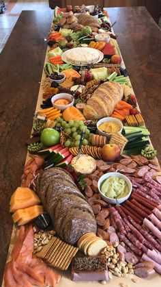 2020 Wedding Trends: 20 Charcuterie Board or Table Ideas - Hi Miss Puff charcuterie table ideas Party Food Buffet, Party Food Platters, Tapas Buffet, Charcuterie And Cheese Board, Charcuterie Platter, Cheese Boards, Antipasto, Grazing Tables, Snacks Für Party