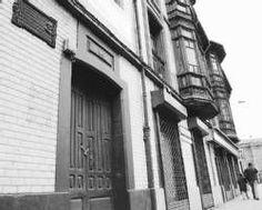 Situada en los números 6 y 8 de la calle Melquiades Alvarez en La Felguera…