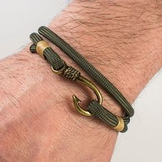 Fish Hook Bracelet Army Green Beige Paracord by ZEcollection