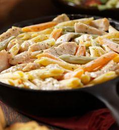 Poêlée de penne au poulet et aux petits légumes _ http://www.cuisineaz.com/dossiers/cuisine/fruits-legumes-hiver-poele-13834.aspx