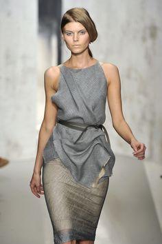 Donna Karan at New York Fashion Week Spring 2010 Couture Fashion, Runway Fashion, Womens Fashion, Donna Karan, Nice Dresses, Dresses 2013, Party Dresses, Corporate Fashion, Fashion Fabric