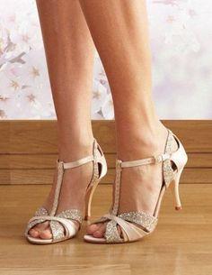 Hot Wedding Trend: 50 Nude Wedding Shoes | http://HappyWedd.com