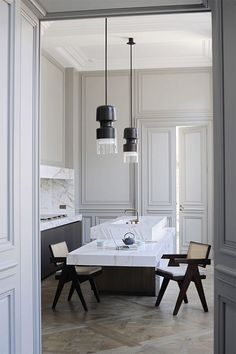 This would be cute for a small guest house kitchen. Joseph dirand