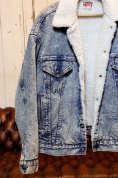 Vintage Levi's San Francisco Sherpa lined denim jean jacket trucker style, large. Best Dad Gifts, Gifts For Dad, Love Jeans, Sherpa Lined, Vintage Levis, Jean Jackets, Sweater Weather, Latest Trends, San Francisco
