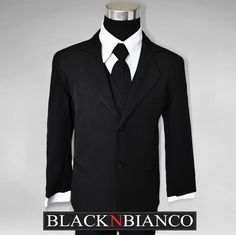 Black n Bianco Boys Suit Ring Bearer outfit. Perfect for weddings or special events!