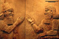 599 Sargon II accueillant un dignitaire