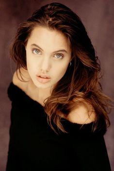 Angelina, 16