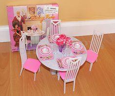 Novo Gloria Dollhouse móveis 4-chairs Mesa Redonda Sala De Jantar Conjunto Para Barbie