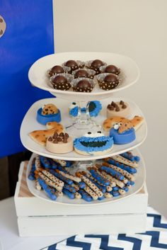 Boy's Sesame Street Cookie Monster Birthday Party Dessert Ideas