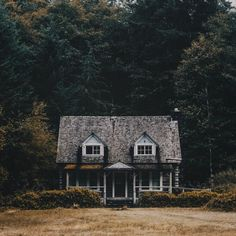 big house in the woods / Johannes Becker Cabana, Beautiful Homes, Beautiful Places, Wonderful Places, Welcome To My House, Cabins And Cottages, Cabins In The Woods, House Goals, The Great Outdoors