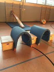 Tunnel at indoor playground Gross Motor Activities, Indoor Activities For Kids, Gross Motor Skills, Physical Activities, Crossfit Kids, Kids Gym, Yoga For Kids, Games 4 Kids, Pe Games