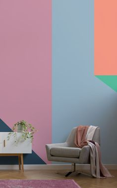 The Retro Remix collection by Murals Wallpaper embraces new nostalgia with statement mural designs that illustrate a fresh generation of retro-influenced interior design. Think rosy pink, matte navy, chalk pastels, velvety tones with a powdery finish, and a mixture of rich and airy shades. These block shape wallpapers capture a cool balance between retro and fashion-forward. #wallpaper #interiordesign #homedecor #inspiration