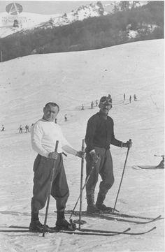 Jorge Sinner y amigo, base del Cerro Catedral, Bariloche, Ca. 1955 (Colección Sinner en Archivo Visual Patagónico)