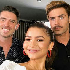 Lol Zac's eyes! Also knowing she had to lean down/crouch to take this pic makes it so much better.