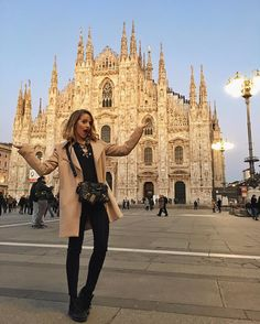 YouTuber Jessica Mercedes Kirschner poses at the most photogenic spot in Milano before the @guess Blogger Party #GUESSLife