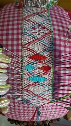 Bobbin Lacemaking, World, Ladies Capes, Tricot, Embroidery, Future, Exercises, Tejidos, Lace Up