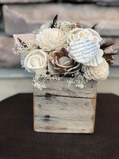 Sola Wood Flowers with rustic box. Perfect addition to any home. By: Revival Babe Designs Www. Etsy.com/shop/revivalbabedesigns Sola Wood Flowers, Diy Flowers, Flower Decorations, Fabric Flowers, Paper Flowers, Atelier Couture Diy, Wooden Flower Boxes, Wood Box Centerpiece, Branch Decor