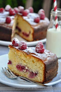 Due bionde in cucina: Torta soffice con ricotta e lamponi