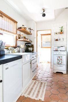 New kitchen tile vintage apartment therapy 15 ideas Kitchen Tiles, Kitchen Flooring, New Kitchen, Vintage Kitchen, Kitchen Decor, Kitchen Shelves, Kitchen With Tile Floor, Spanish Tile Kitchen, Kitchen Living