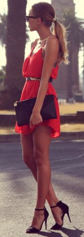 This whole look is mega chic! I want to be able to pull outfits like this out of my closet someday :)